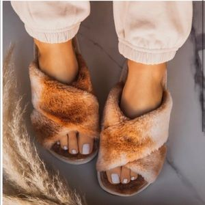 Faux Fur Sandals or slippers